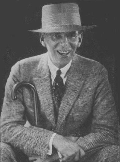 Picture of Wilson Mizner. Courtesy of the Benicia Historical Society, Benicia, California. This image is in the public domain in the United States as it was first published prior to January 1, 1923.